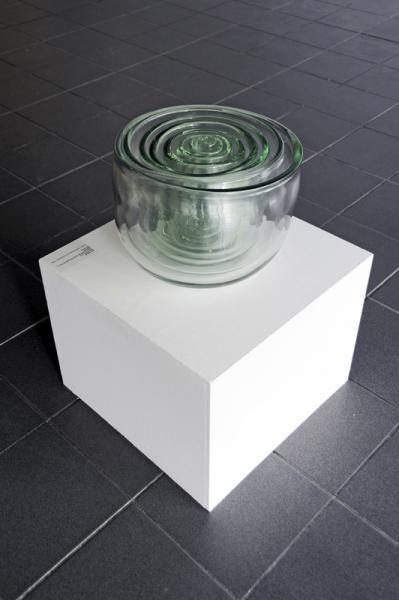 Hard Entry, 2004, Unique, 8 elements, hand blown glass (C.I.R.V.A., Marseille), h. 28 w. 36 cm. Courtesy of Caterina Tognon Arte Contemporanea, Venezia.
