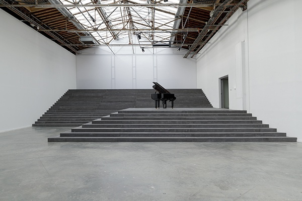 Philippe Parreno, Marquee Beyeler, 2012, mixed media sculpture, glass, steel structure, 72 bulbs, 2 neon, 4 Solidrives, 392.5 x 405.9 x 135 cm