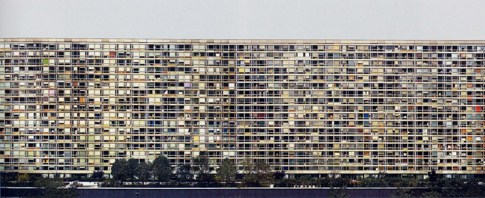 Andreas Gursky , Paris Montparnasse, 1993.