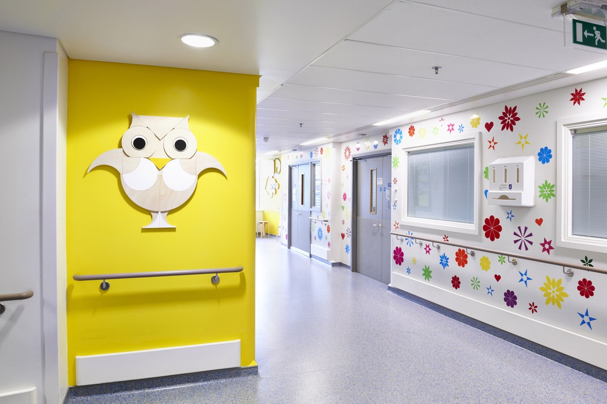 Artists Create Murals in a Children\'s Hospital Spreading Happiness ...