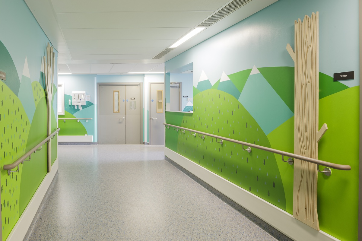 Artists Create Murals In A Children S Hospital Spreading
