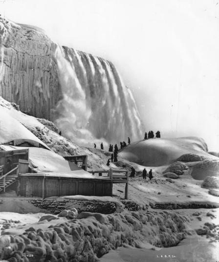 The Niagara Falls in 1896 [Image courtesy of Getty]