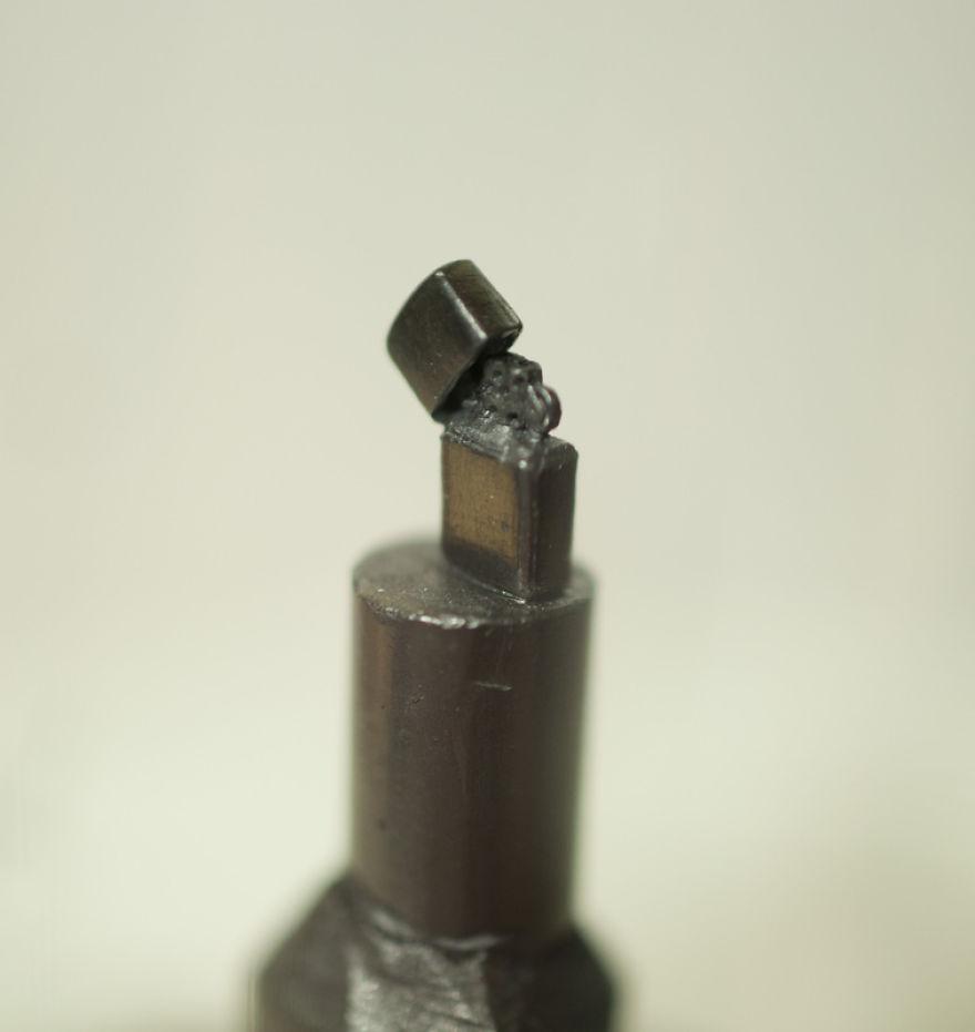 AMAZING-Miniature-graphite-sculptures-by-Benjamin-Kreze8__88