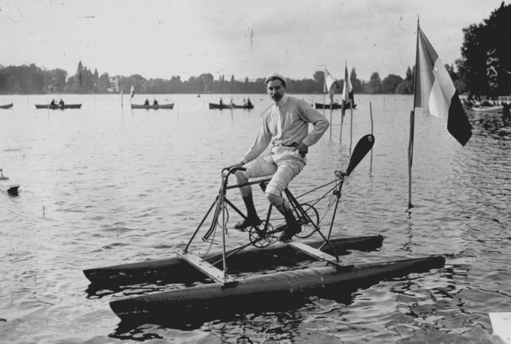 Competition for water cycles on Lake Enghien. Pessana design