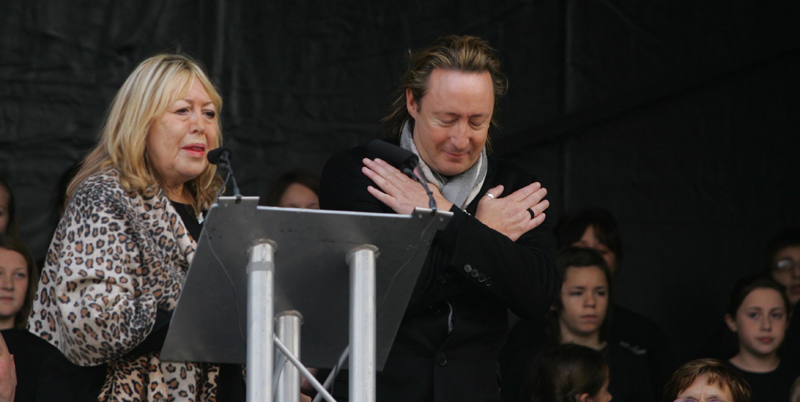 Cynthia_and_Julian_Lennon_at_the_unveiling_ceremony_of_the_John_Lennon_Peace_Monument_in_Liverpool_-_celebrating_John_Lennon's_70th_Birthday_-_October_9th_2010