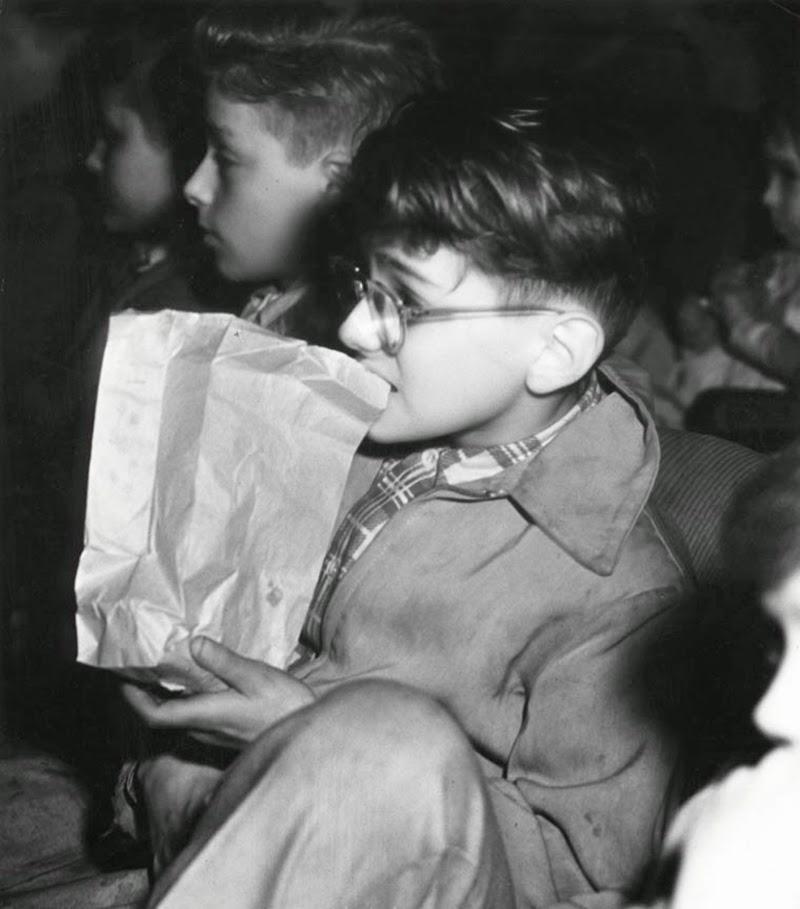 Weegee+-+Filmgoers,+1940s+(13)