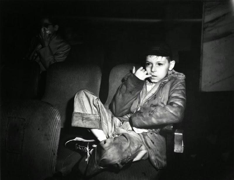 Weegee+-+Filmgoers,+1940s+(3)