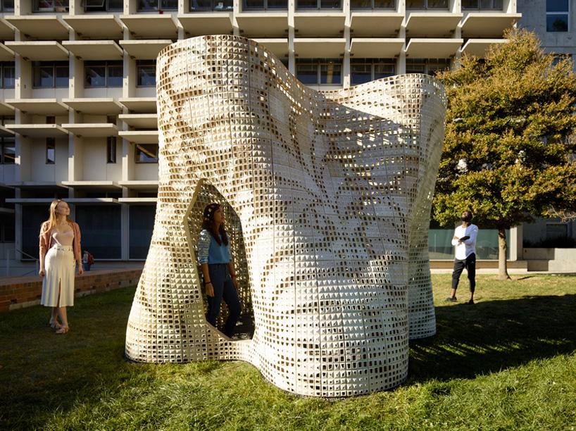 emerging-objects-bloom-3D-printed-pavilion-designboom-06
