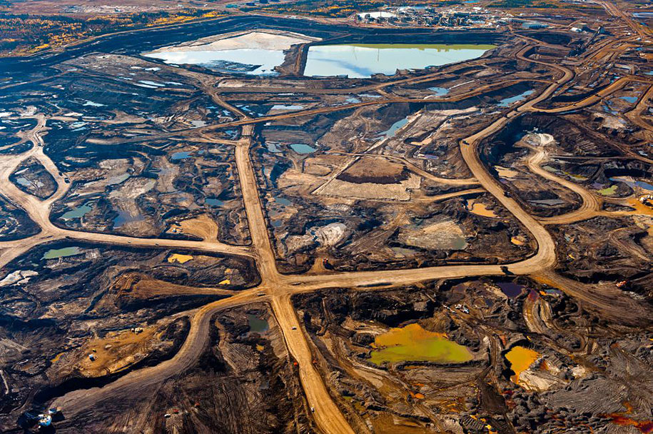 Zone rich in tar in Alberta (Canada), affected by mining and toxic waste.