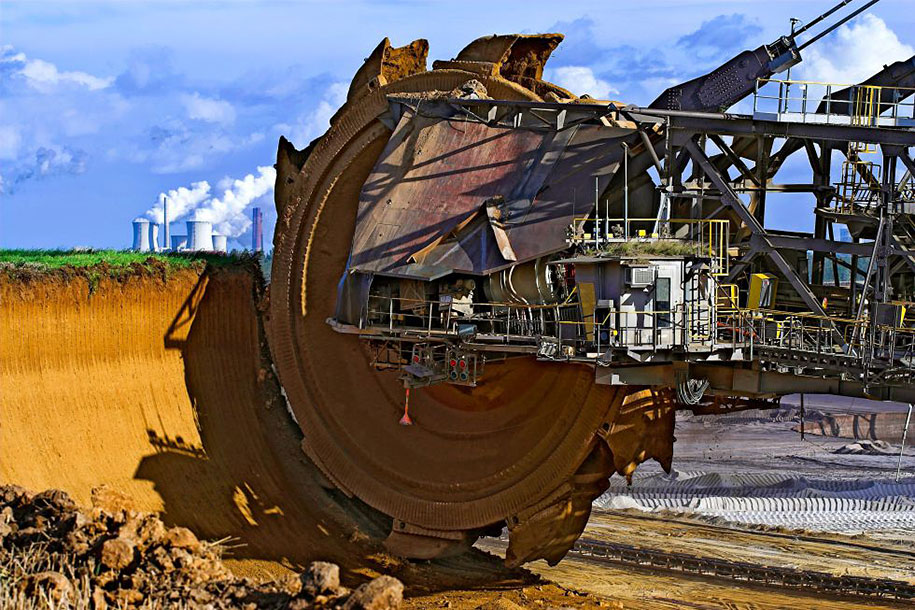 Bagger 288, the world's bigger coal excavator. Tagebau Hambach strip mine, Germany.