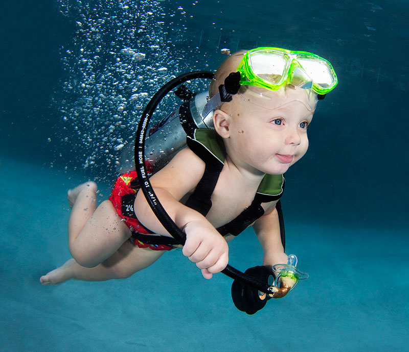 underwater-photos-of-babies-exploring-a-brand-new-world-seth-casteel-3