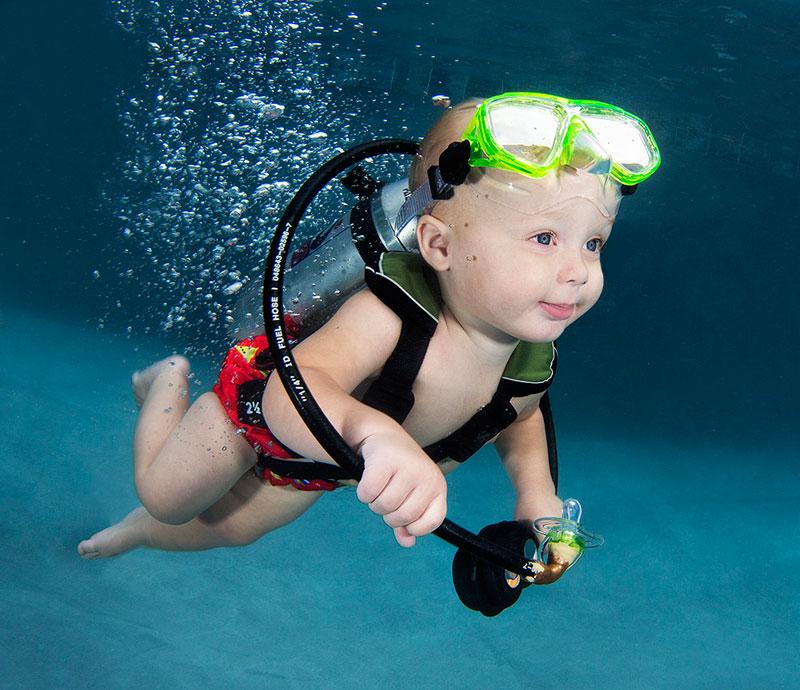 underwater-photos-of-babies-exploring-a-brand-new-world-seth-casteel-3