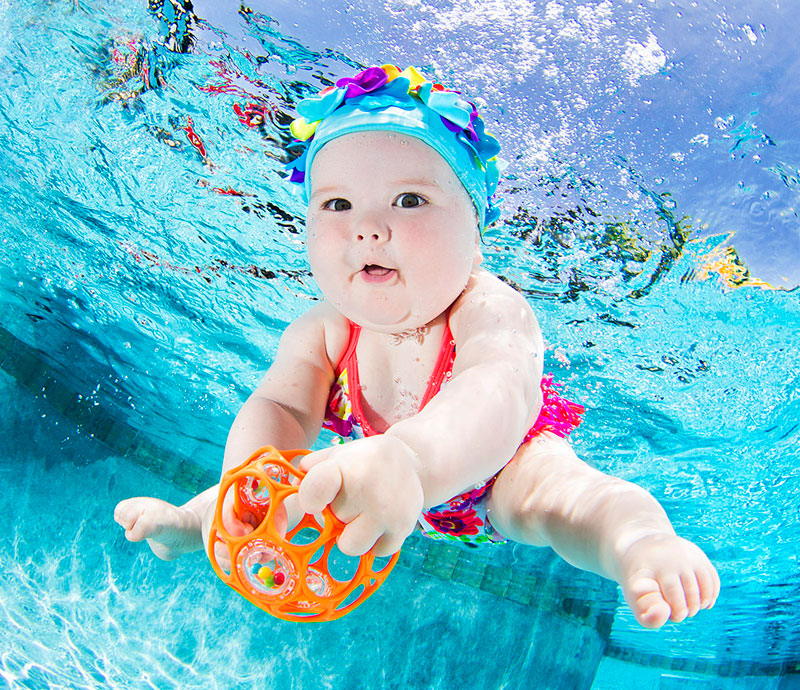underwater-photos-of-babies-exploring-a-brand-new-world-seth-casteel-9