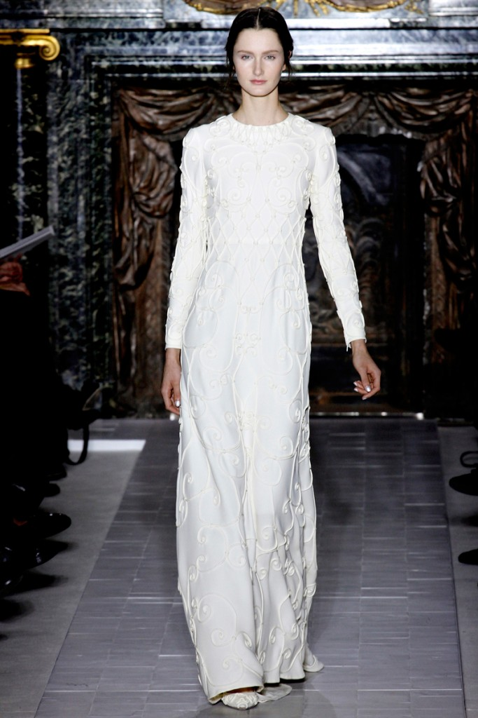 1359206477_fashion_week_in_paris_valentino_spring_2013_collection_03