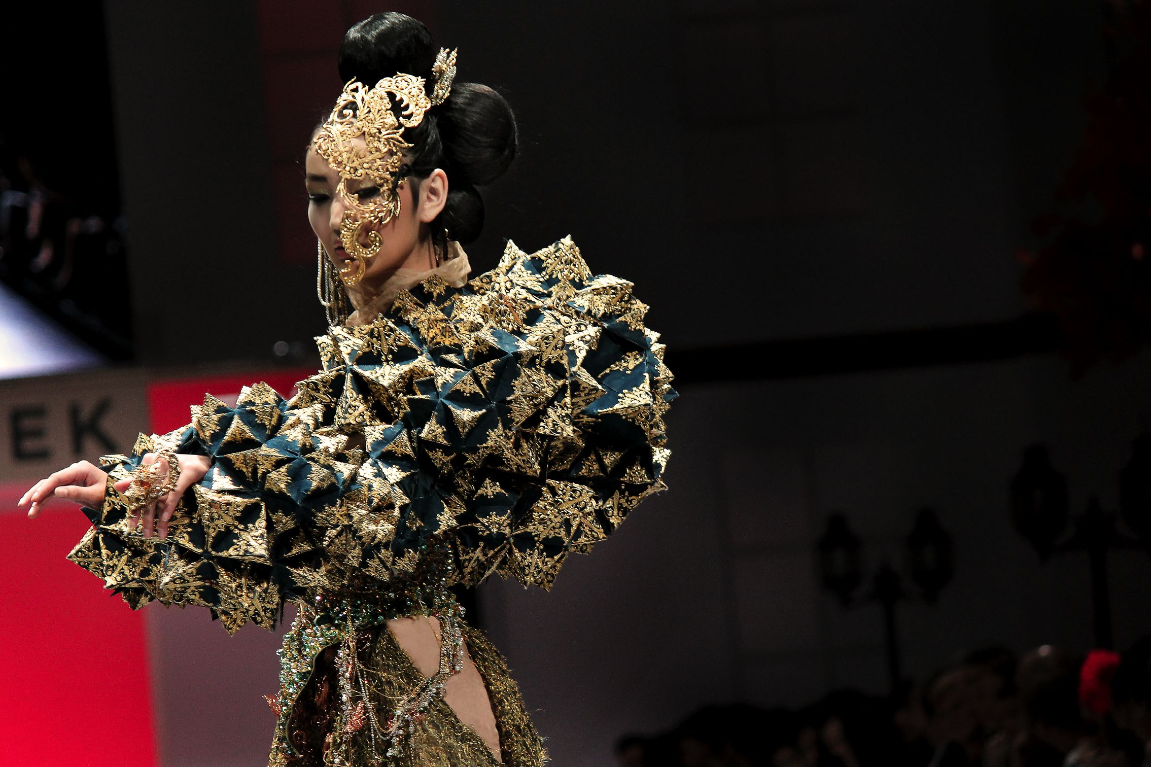 Guo Pei: 20 facts about the designer everyone is talking ...