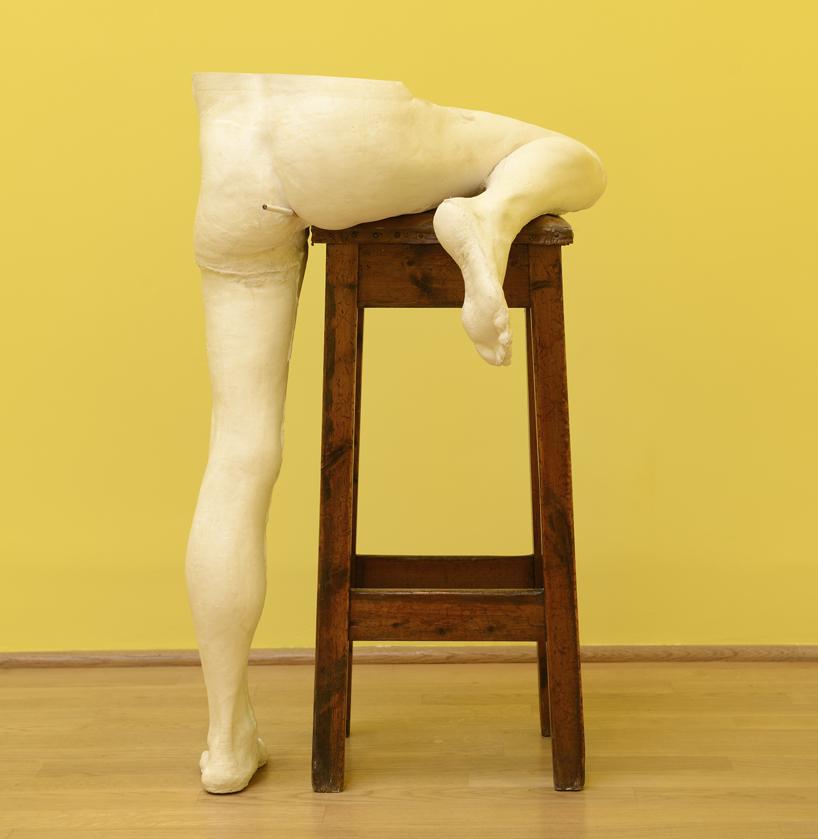 sarah-lucas-british-pavilion-at-the-venice-art-biennale-designboom-02