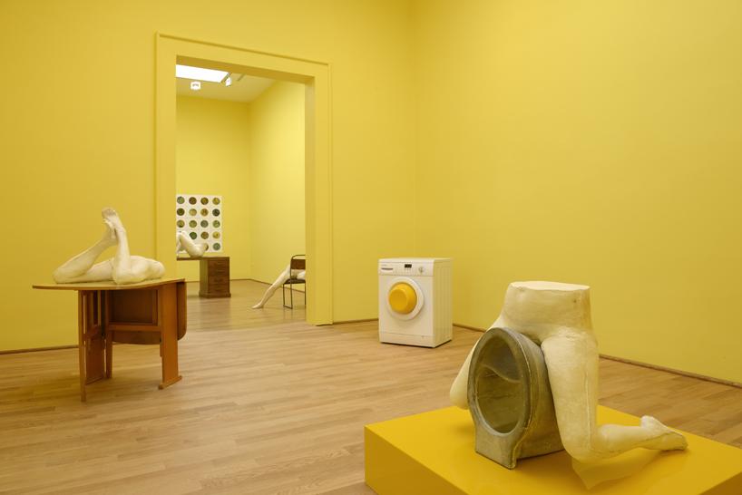 sarah-lucas-british-pavilion-at-the-venice-art-biennale-designboom-05