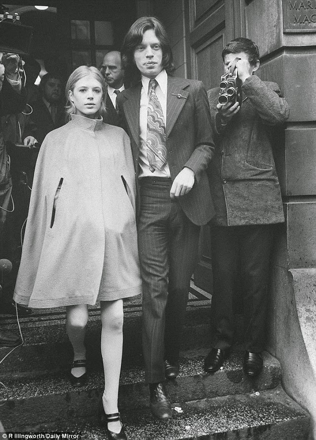 Mick Jagger And Marianne Faithful S Relationship In 37