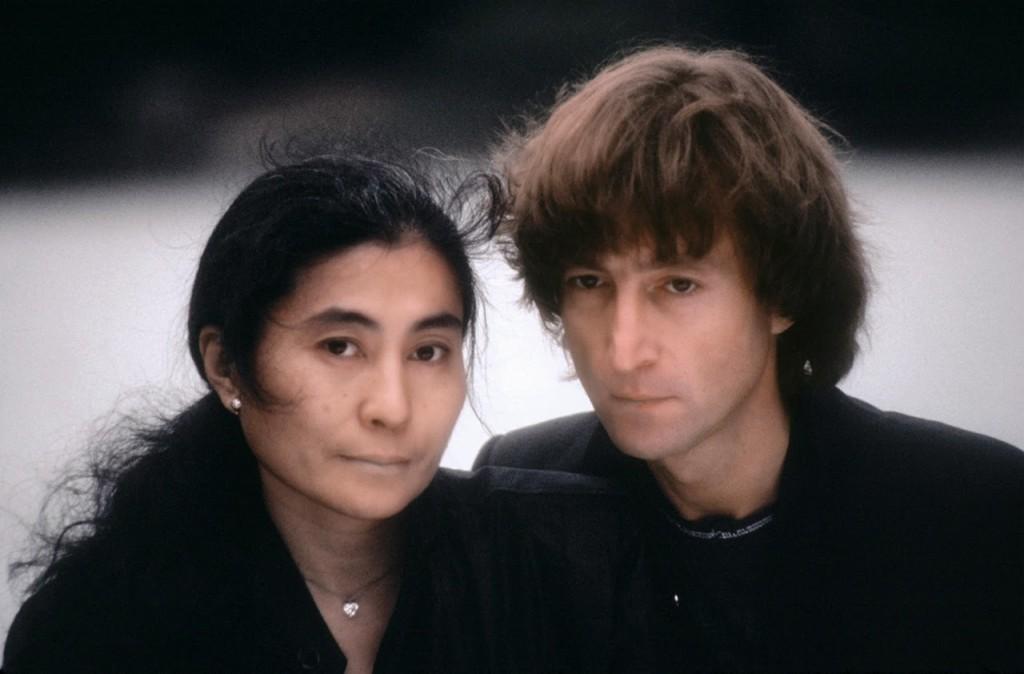 UnseenphotosofJohnLennonandYokoOno19805