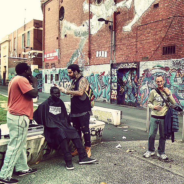 homeless-haircuts-drug-addiction-street-barber-nasir-sob_010