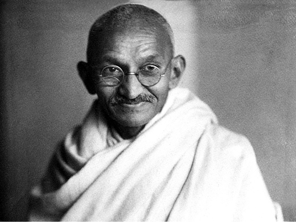 mahatma ghandi Mohandas (mahatma) gandhi, the gujarati barrister who had returned from living for many years in south africa shortly after the war started, was recognized throughout india as one of the most-promising leaders of the congress party.