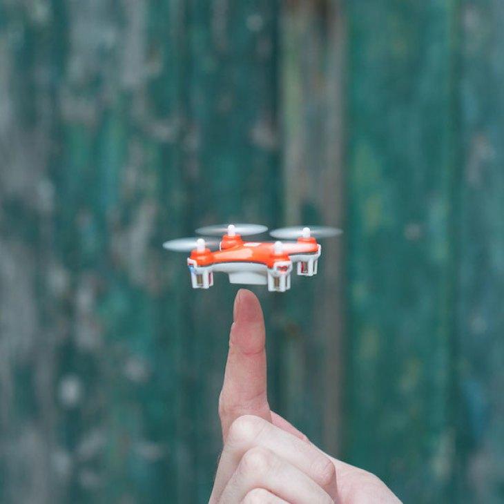 nano-drone-04
