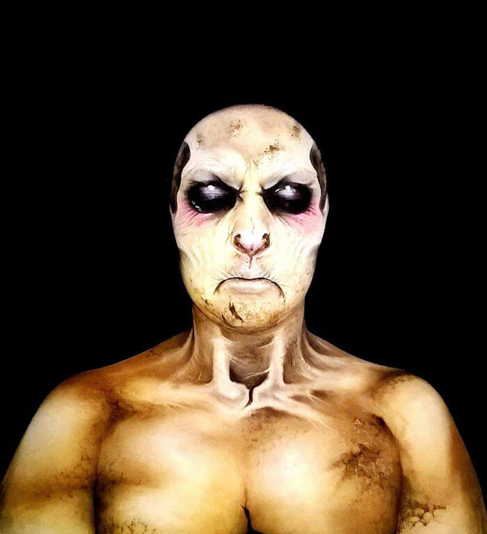 Creepy-Halloween-Makeup-By-Nikki-Shelley10__700