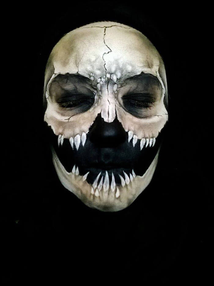 Creepy-Halloween-Makeup-By-Nikki-Shelley13__700