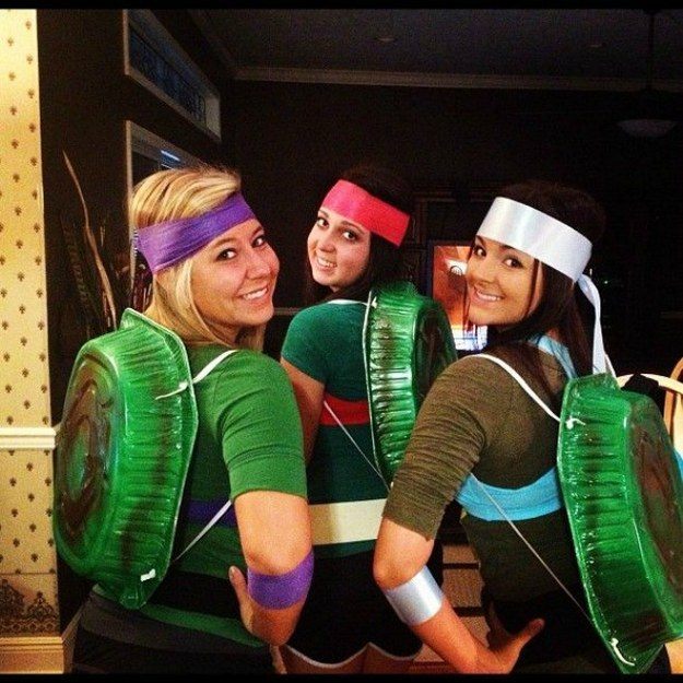 You and your crew can become the Ninja Turtles by spray-painting lasagna pans and threading them with shoe laces. Click here for more ideas.  sc 1 st  Art-Sheep & 21 Creative And Cheap DIY Halloween Costumes That Will Make Your ...