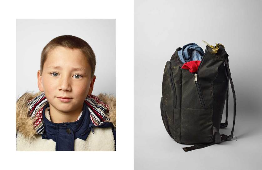 things-they-carried-refugees-nickelsdorf-james-mollison-021