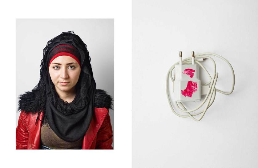 things-they-carried-refugees-nickelsdorf-james-mollison-081