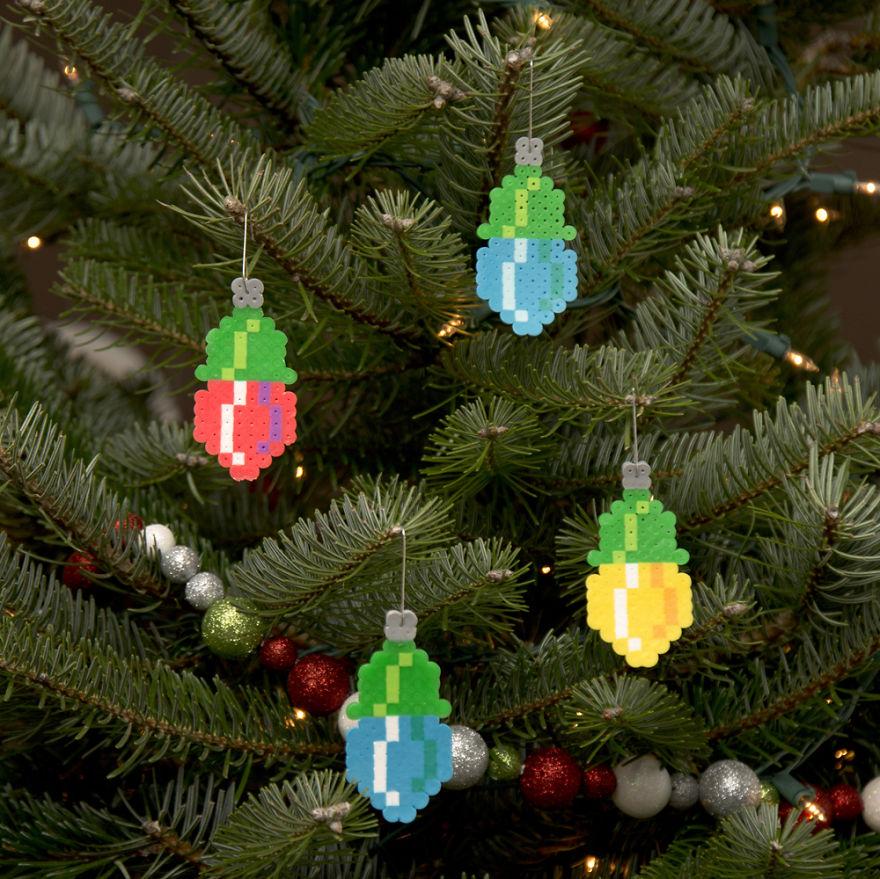 The-Pixel-Art-Ornaments-of-Adam-Crockett2__880