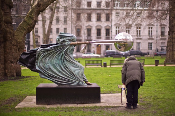 statue-mother-nature-rotates-earth-force-nature-lorenzo-quinn-6-720x480