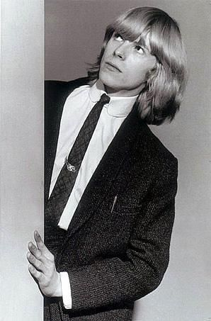 David Bowie in the early Days of His Career (15)