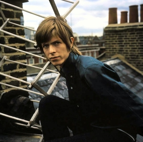David Bowie in the early Days of His Career (24)
