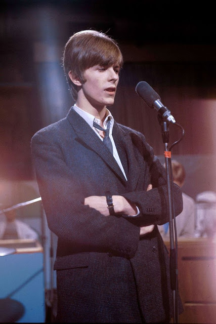 David Bowie in the early Days of His Career (29)