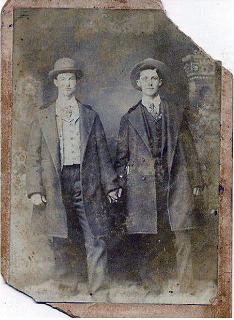 Gay Lovers in the Victorian Era (28)