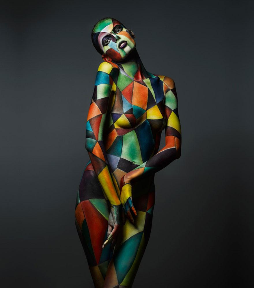 I-turn-human-bodies-into-ART-2__880