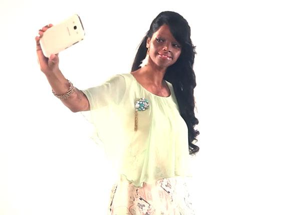 acid-attack-survivor-laxmi-fashion-model-india-14