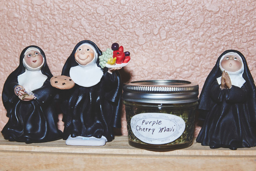 nuns-grow-marjuana-sisters-of-the-valley-shaughn-crawford-john-dubois-9