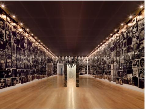 Christian Boltanski, Human Dead Swiss, 1994-1990, Kunstmuseum, Lichtenstein