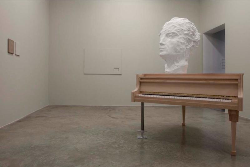 Elgreen & Dragset,Unfinished Symphony (Ich bin doch kein Mahler), 2012