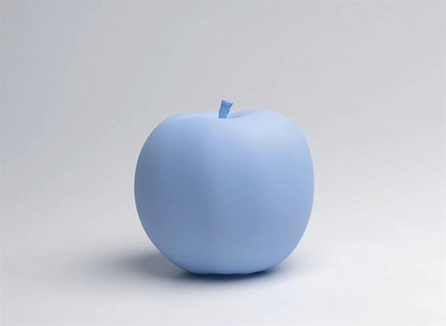 Katharina Fritsch, Apple, 2009-2010, high speed resin cast, color, hand finished, diameter 14 cm