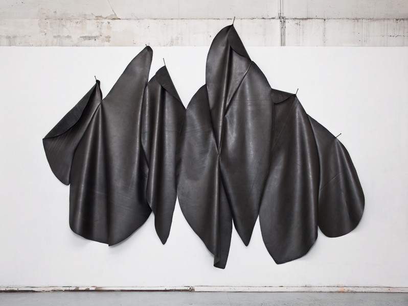 Mathilde Roussel, Peau#1, Cut Rubber, graphite, thread, metal nails, 350x250x10cm