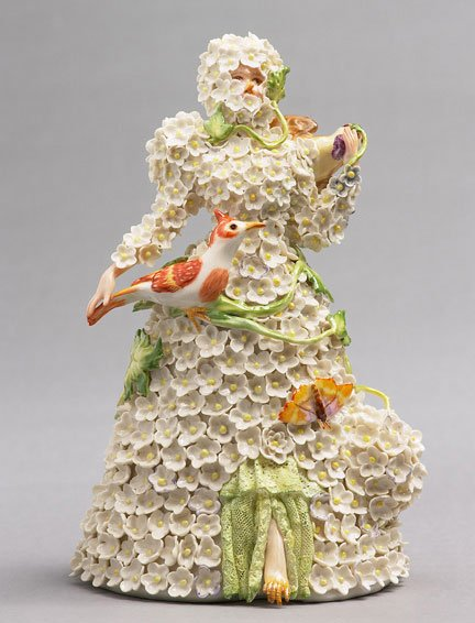 Shary Boyle, Snowball, 2006. Porcelain, china paint