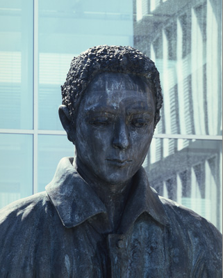Thomas Schütte, Man in Mud - The Seeker, 2009