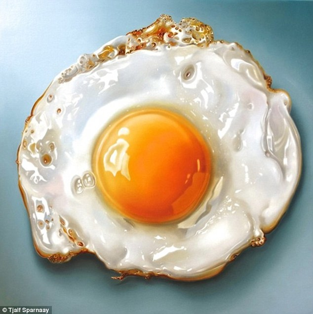 2544154100000578-2936196-Perfectly_fried_egg_These_stunning_hyperrealistic_images_of_food-a-20_1422875120617