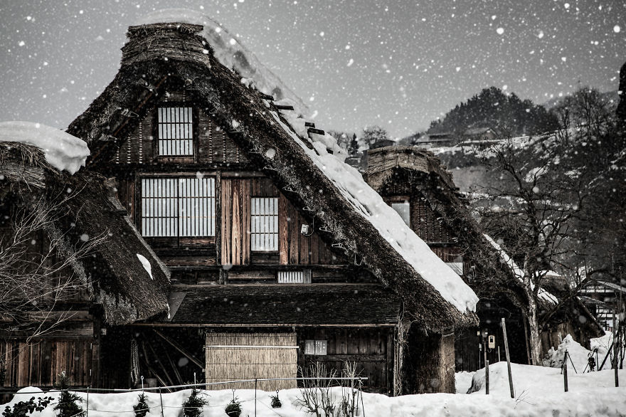 "This place is world heritage ""Shirakawa-go"""