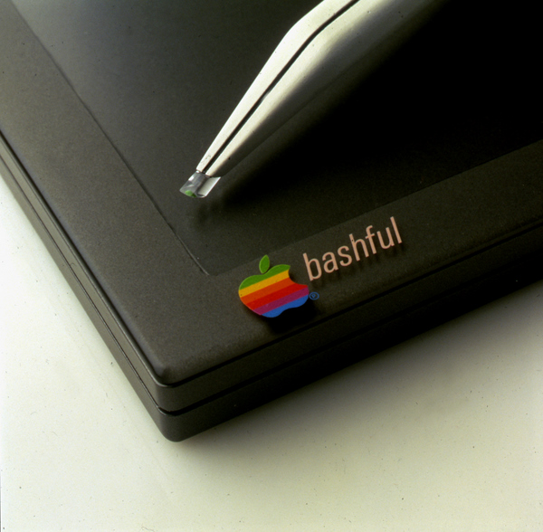 MacBook Lifestyle-Studie Bashful (1983) (3)