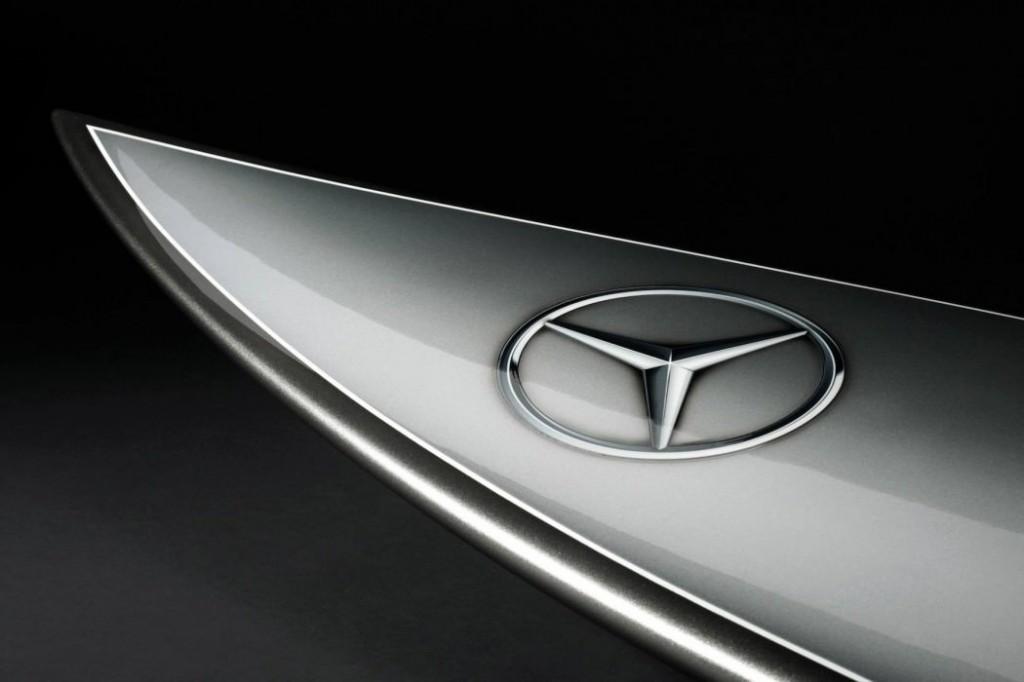 Mercedes-Surf-01-1050x700